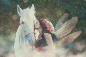 妖精などの不思議な存在と繋がる事は、別次元のエネルギーの力とともに未来を築いていくこと